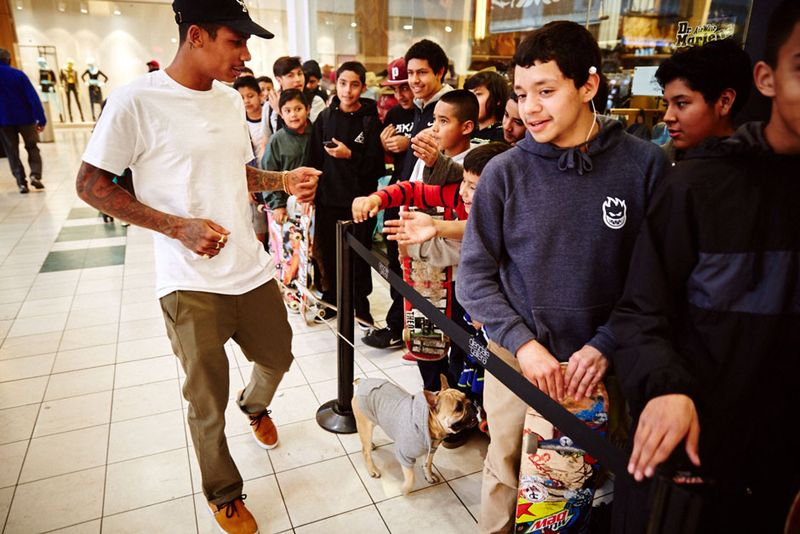 12Supra_Chino_Boarders_Siging_046